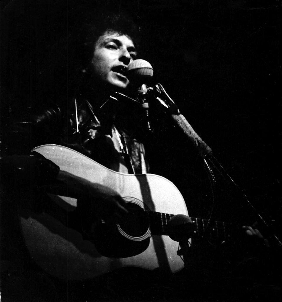 Bob Dylan (photo © 1965 Diana Davies/Dirty Linen)