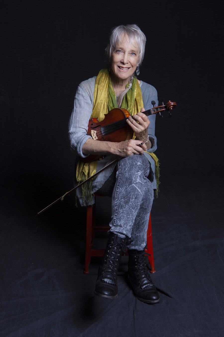 Laurie Lewis (photo by Jeff Fasano)